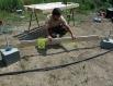 Všechny betonové patky musí býti vodorovně stejně vyrovnány.